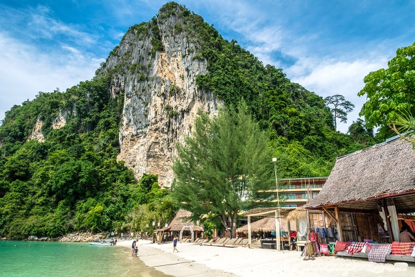 Rock Climbing in Tonsai Tower Phi Phi